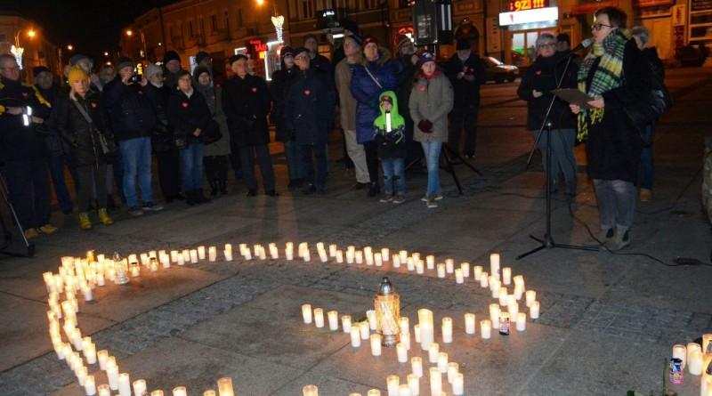 Światło pamięci i wiersz dla Pawła Adamowicza