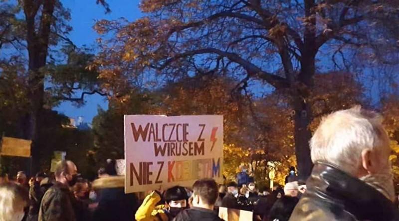 Największe od lat protesty przeciw PiS